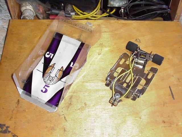Rangement roulettes sous lit